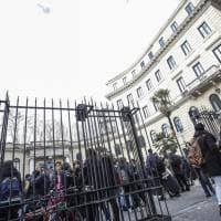 Terremoto in Centro Italia, paura a Roma: gente per strada, scuole evacuate