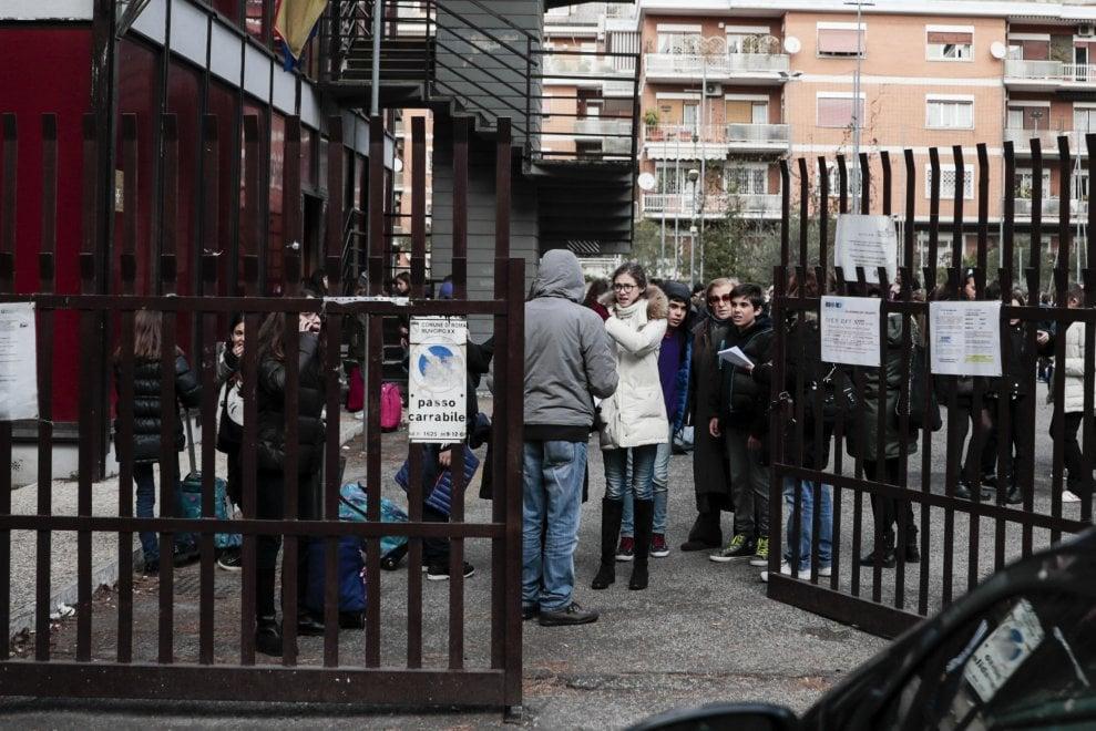Roma, le scuole evacuate da nord a sud della Capitale