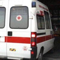 Roma, auto contro ambulanza a Ostia: morta paziente 91enne