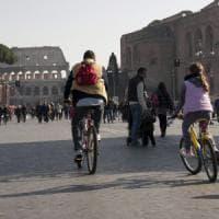Roma,  torna la eco-domenica. Oggi si fermano auto e moto