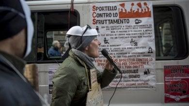 Almaviva, la crisi dei call center mette in ginocchio la generazione 1000 euro   foto