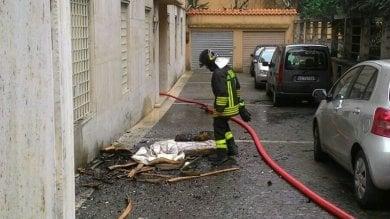 Parioli, incendio in un appartamento traffico il tilt nella zona di via Manfredi