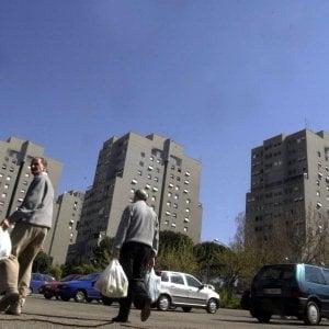 """Roma, famiglia cacciata dalle case popolari: """"Niente appartamento, loro sono egiziani"""""""