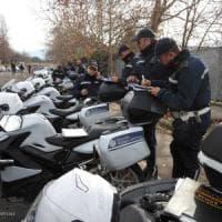 Roma, controlli a Tor Bella Monaca: 72 multe