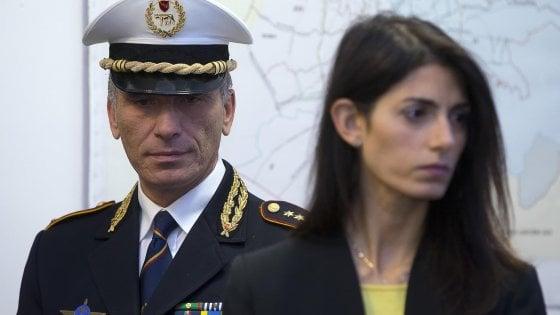"""Roma, caso Marra: Raggi indagata per falso e abuso d'ufficio. """"Sono serena, pronta a dare chiarimenti"""""""