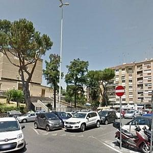 Roma, la crisi della Balduina, tra negozi chiusi e traffico