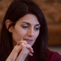 """Roma, la base grillina in subbuglio: """"Voto online sullo stadio della Roma"""""""