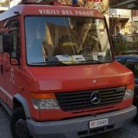Velletri, fiamme e scoppio in una palazzina: due feriti