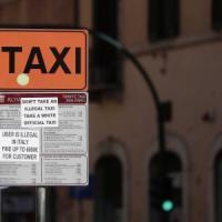 Roma, taxi fermi per il quinto giorno consecutivo