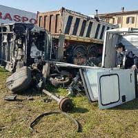Roma, gestivano giro di auto rubate, arrestate 5 persone