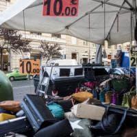 """Roma, suk Cola di Rienzo: """"Strada sotto assedio tra bancarelle e stand"""""""