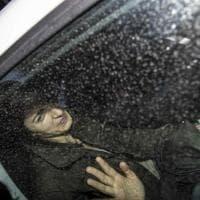 Virginia Raggi lascia l'ospedale dopo gli accertamenti per il malore