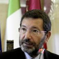 """Stadio Roma, Marino contro Raggi: """"Cancellate le opere pubbliche, è un favore ai..."""
