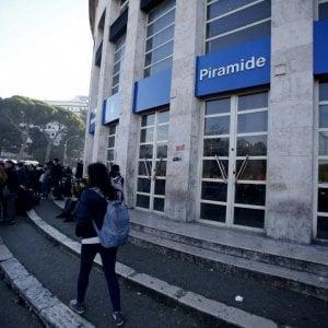 Roma, lezioni di borseggio in metro: sette bosniaci arrestati per furto aggravato