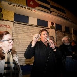 Roma, Garbatella, centro sociale La Strada: inaugurato murales dedicato a Fidel Castro