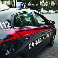 Roma, licenziato distrugge l'auto del datore di lavoro a sprangate: arrestato