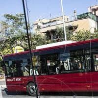 Roma, uomo investito da bus sull'Ostiense