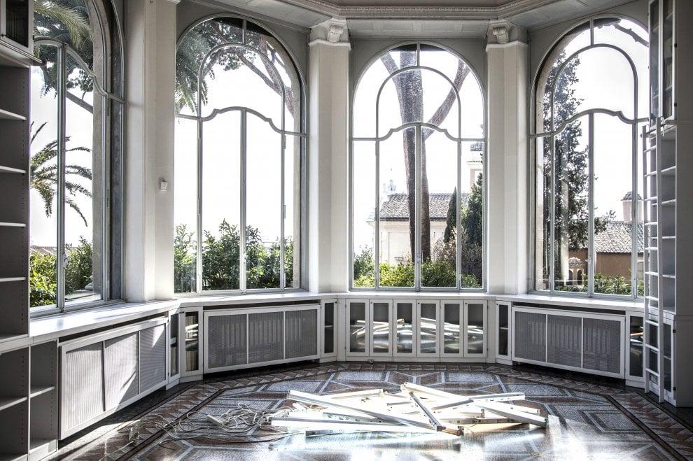 Istituto svizzero di Roma, accumuli e stoccaggio: la provocazione di John M Armleder