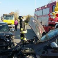 Roma, incidente sulla Laurentina: madre e figlia estratte da lamiere