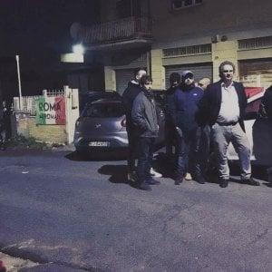 """Roma, blitz di Forza Nuova e Roma ai romani: """"No sfratti per centro accoglienza"""""""