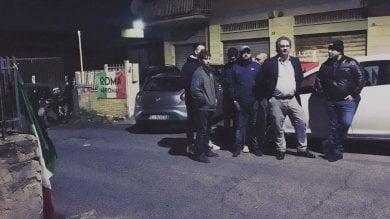 """Blitz di Forza Nuova e Roma ai romani  """"No sfratti per centro accoglienza"""""""