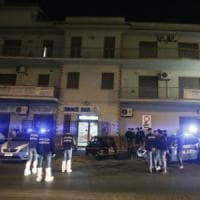 Roma, uccise la moglie in un bar a Lunghezza: condannato a 30 anni