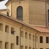 Roma, detenuto sale su finestrone di Regina Coeli per protesta