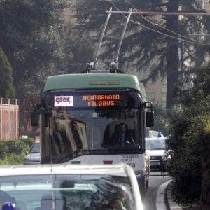 Roma, i filobus pronti al via sono già a rischio, la linea è a singhiozzo