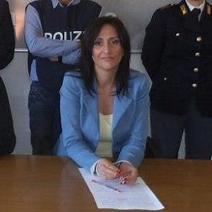 Roma, poliziotta incinta sventa furto in macchina e blocca il ladro