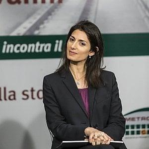 """Roma, M5S: petizioni online e voto elettronico. Esposito: """"Cos'è, un pesce d'aprile in ritardo?"""""""