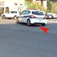 Roma, polizia municipale presidia buca in via Bari
