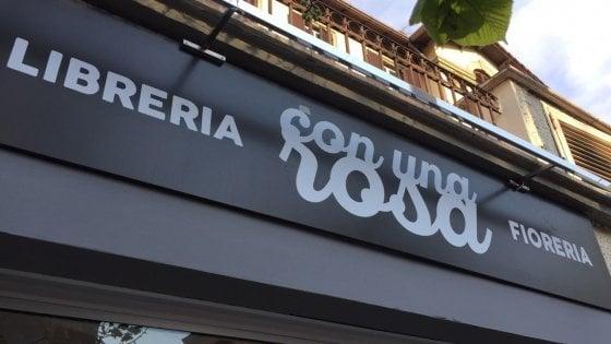 Roma, 'Con una rosa':  apre alla Balduina  la libreria-fioreria