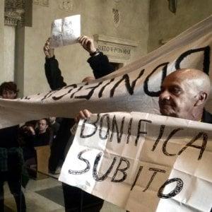 """Roma, protesta in Aula: """"Subito la bonifica del parco di Centocelle"""""""
