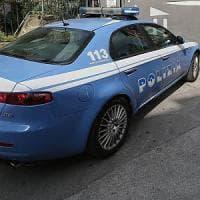 Roma, vittima di bullismo ragazzina costretta a cambiare scuola: denunciato il branco