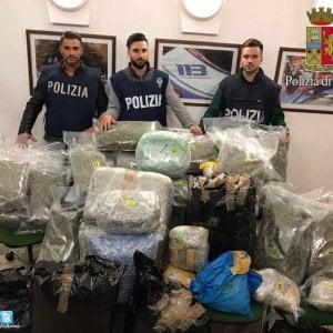 Roma, avevano in casa 100 chili di marijuana: arrestati padre e figlio all'Arco di Travertino