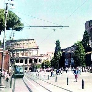Roma, e i grillini ora rispolverano il tram ai Fori