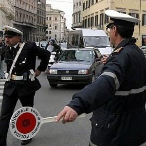 Roma, Perdita d'acqua in Prati: traffico deviato in via Leone IV
