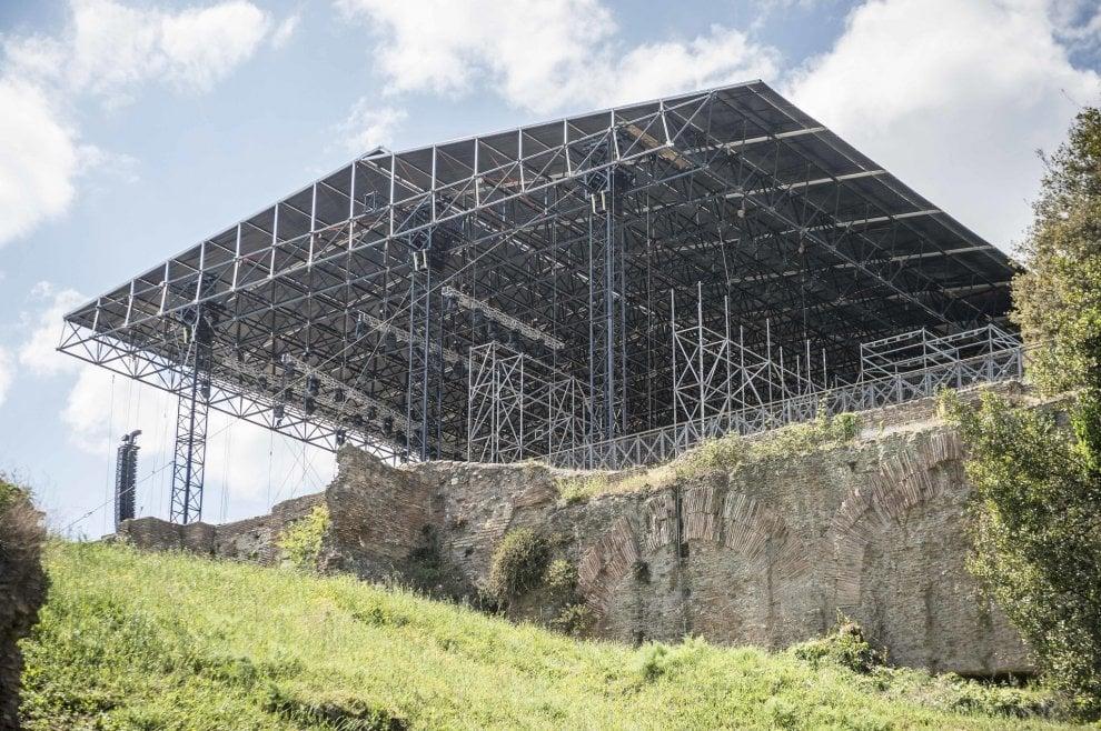 Roma, transenne al Palatino: arriva Nerone Rock
