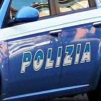 Roma,  rapina in negozio a San Basilio, caccia a due ventenni