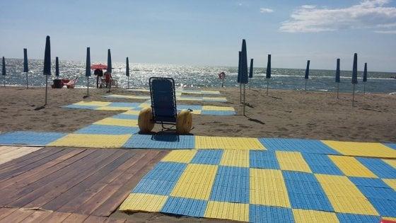 Focene, Papa paga affitto per un anno a 'spiaggia speciale' per disabili