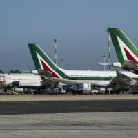 Alitalia, effetto crisi su Roma: in mille a rischio nell'indotto, tremano diecimila famiglie