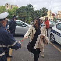 Roma, la sindaca Raggi a Ostia dal commissario Vulpiani: