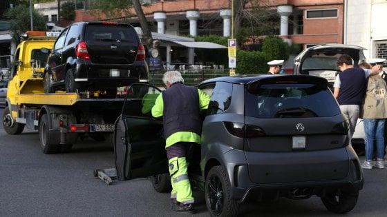Roma, a Piazza Euclide il blitz contro le mini-car truccate