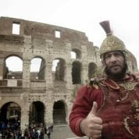 Roma, Colosseo, centurioni: dopo la vittoria al Tar riaperta la caccia ai