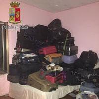 Roma, arrestata banda di ladri specializzata in furti di trolley e valigie