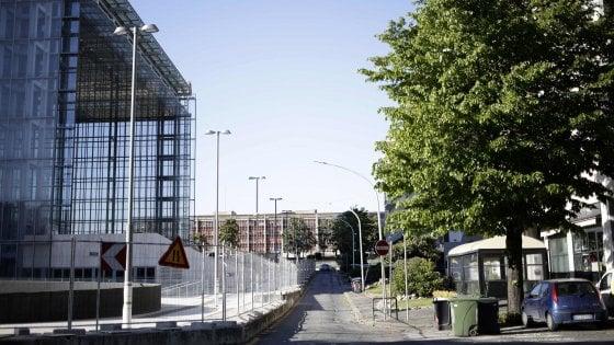 Roma,  pasticcio Nuvola: spostata di 2 metri e il marciapiede occupa la strada