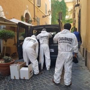 Roma, omicidio in centro: massacra la compagna e si costituisce