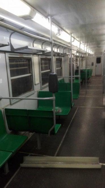 Roma, lampada cade da soffito del treno: nessun ferito