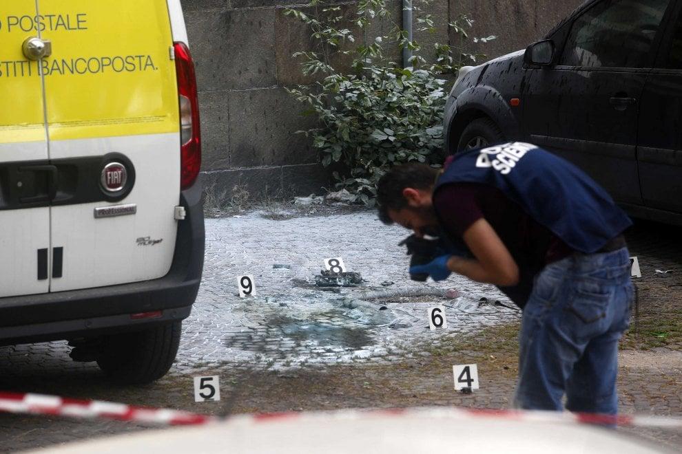 Roma, ordigno rudimentale esplode accanto all'ufficio postale di via Marmorata