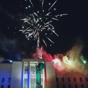"""Roma, bagno di folla alla Sapienza per la quarta """"notte scomoda"""""""
